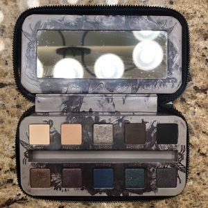 """Urban Decay """"Smoked"""" Palette"""